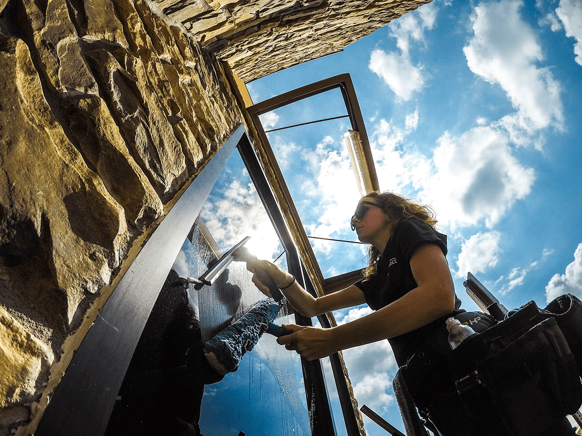 Residential Window Cleaning in Lake Latowana, MO